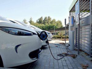 Šalys kurios pirmauja elektromobilių rinkoje
