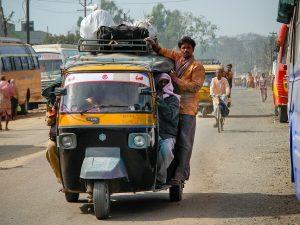 Indija žvelgia į elektromobilių rinką