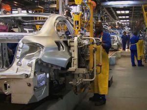 Didieji gamintojai mąsto apie PAR elektromobilių rinką