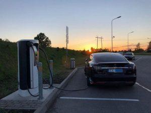 Elektromobilių suvažiavimas Latvijoje