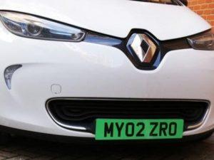 Jungtinė Karalystė planuoja įvesti naują elektromobilių ženklinimą?
