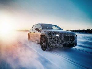 Testinio važiavimo metu, BMW parodė i4 elektromobilį, žada beveik 645 km. nuotolį