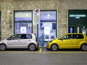 """""""Volkswagen"""" Lietuvoje pradėjo naujos kartos """"e-up!"""" užsakymus"""