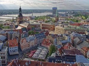 Elektrinių transporto priemonių skaičius Latvijoje 2019 m. padidėjo 70 proc.