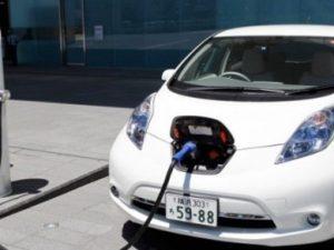 Pirkti elektromobilius gyventojus skatins kompensacinės išmokos