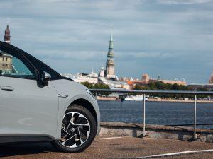Spalį Lietuvoje parduota triskart daugiau naujų elektromobilių