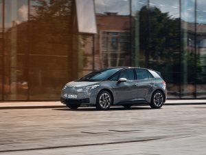 """Pernai """"Volkswagen"""" atiteko 41,5 % visų Lietuvoje parduotų elektromobilių"""