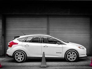 """""""Ford"""" paviešino investicijas ir planus dėl elektrinių transporto priemonių gamybos"""