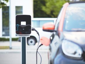Elektromobilių bumą prognozuoja jau po 5 metų