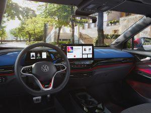"""""""Porsche Driving Experience"""" lietuvius pirmą kartą mokys pažaboti sportinį """"Taycan"""" elektromobilį"""