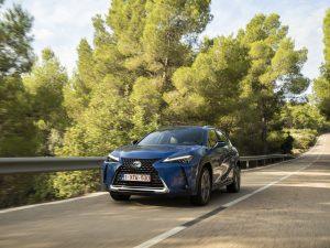 """Pirmasis visiškai elektrinis """"Lexus UX 300e"""" atvyksta į Lietuvą"""