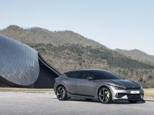 """Naujasis """"Kia EV6"""" išsiskirs ne tik įkrovimo galimybėmis, bet ir praktiškumu"""