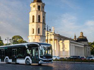 550 km vienu įkrovimu nuvažiavęs elektrinis MAN autobusas pristatytas ir Lietuvoje
