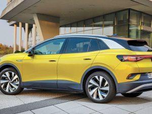 """""""Volkswagen Group"""" elektromobilių pardavimas pirmąjį pusmetį šoktelėjo 165 proc., ypač dėl paklausos Europoje"""