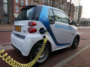 9 iš 10 elektromobilių savininkai nemano, kad kada nors vėl pereitų prie tradicinių automobilių